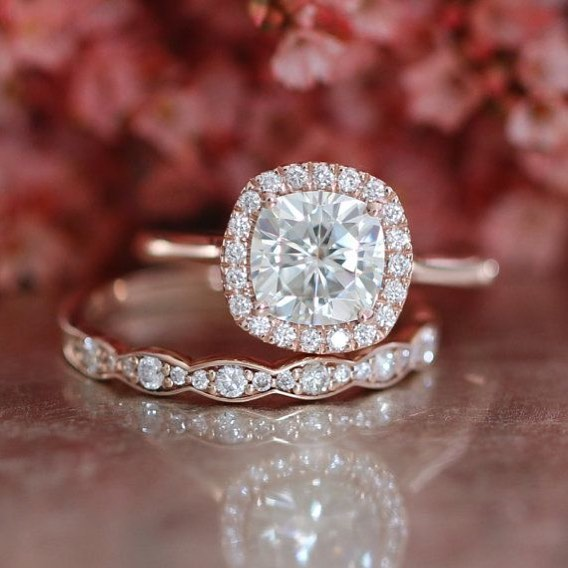 The Do's and Don'ts for Choosing the Perfect Wedding Band