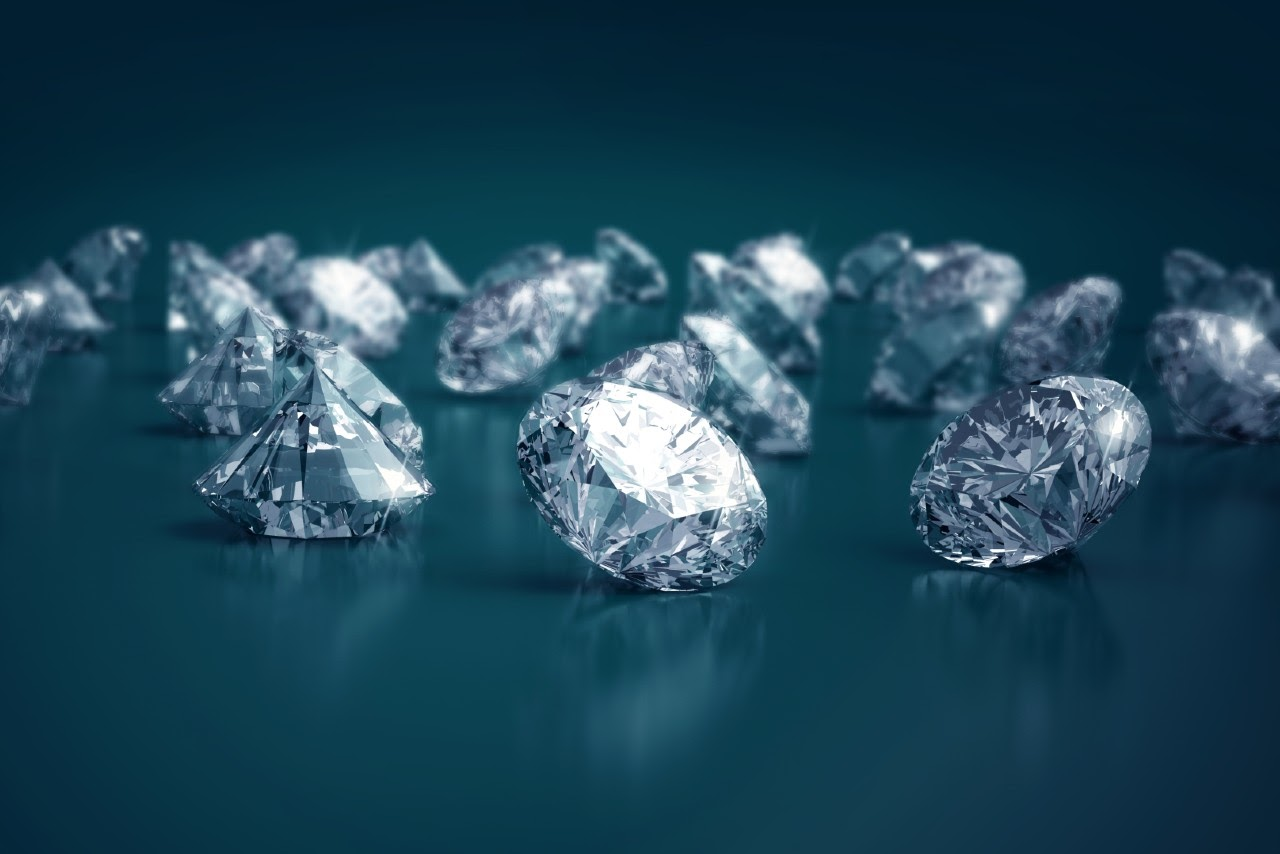 What Is the Difference Between Natural Diamonds and Lab Created Diamonds?